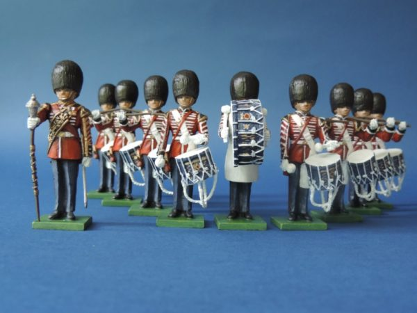 54mm Metal Cast Toy Soldier. Scots Guards Standing Drum Corp 10 Piece