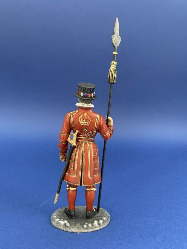 Hand Painted 80mm Metal Cast Military Figure Beefeater Yeoman Produced By Loggerheads Military Studio